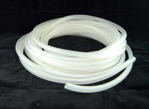 Wysokiej jakości wężyk silikonowy. Jest bardzo elastyczny, nietoksyczny, mlecznoprzeźroczysty,  odporny na wysoką temperaturę zachowując jednocześnie elastyczność w bardzo