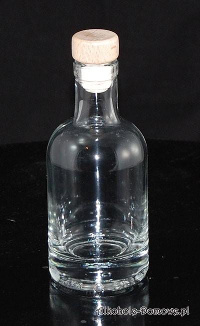Urzekająca butelka. Zgrabna, doskonale prezentuje się w serwantce. Polecamy !