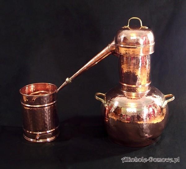 Ręcznie wykonany alembik miedziany inspirowany starą mauretańską tradycją, powszechnie używany na Półwyspie Iberyjskim i w Europie. Najstarszy znany wzór.