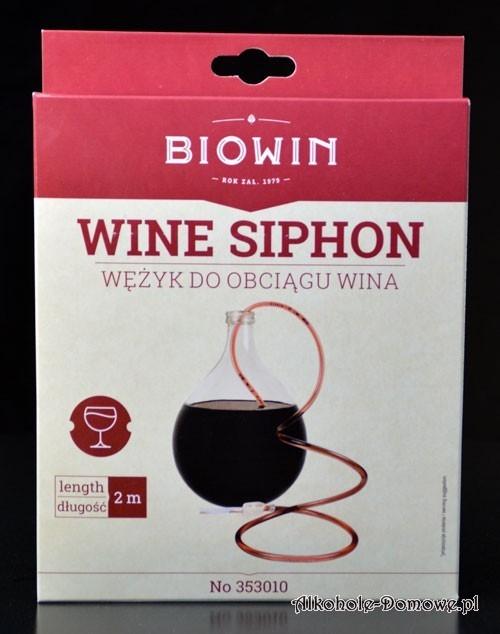 Niezbędny sprzęt do pomocy podczas przelewania wina.