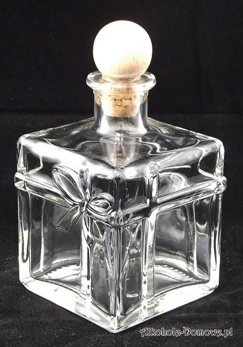 Elegancka butelka do nalewek, likierów. Wspaniale nadaje się na prezent dla naszych znajomych i rodziny. Wyprodukowana we Włoszech.
